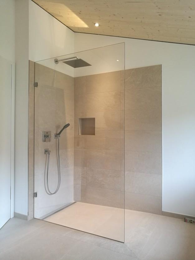 Duschtrennwand / Oberflächenvergütung